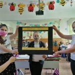 Elevii clasei a III-a de la Școala Gimnazială Bogdan Vodă din Rădăuți, îndrumați de doamna profesoară Mirela Chidon-Frunză, au participat la Media Literacy Program (1)