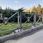Primăria Rădăuți decorează municipiul cu stema orașului (3)