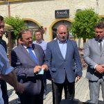 Secretarul de stat în ministerul Sănătății, Andrei Baciu și președintele Consiliului Județean, Gheorghe Flutur în vizită de lucru la Rădăuți